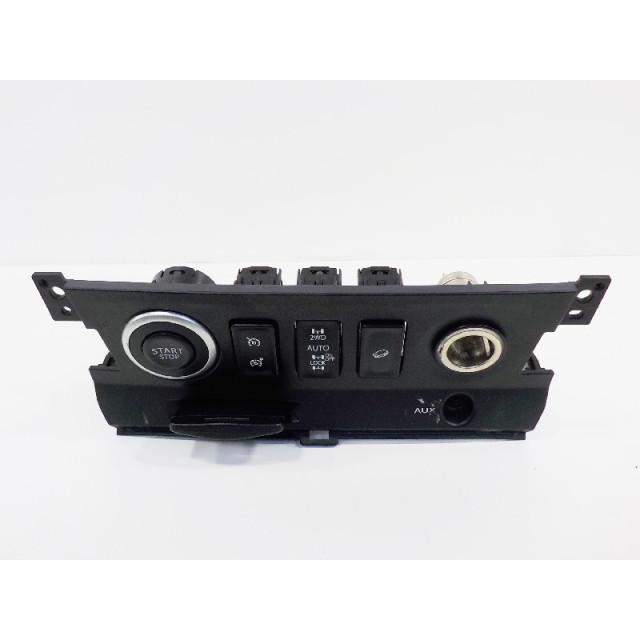 Ignition Renault Koleos I (2008 - 2011) Koleos SUV 2.0 dCi 16V (M9R-832)