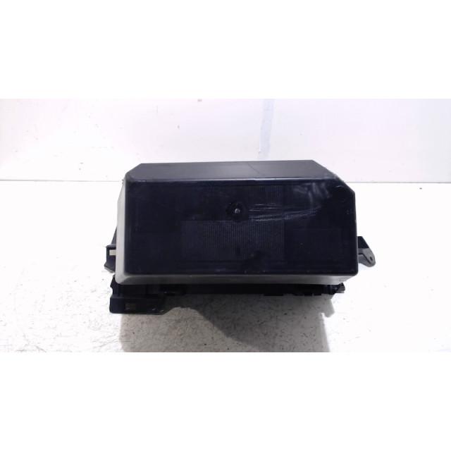 Glove box Ford Kuga I (2008 - 2012) SUV 2.0 TDCi 16V 4x4 (G6DG)